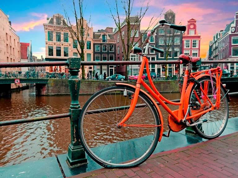 Paseo por Amsterdam en un dia