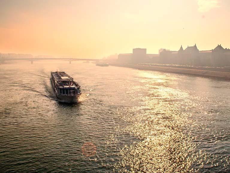 Conozca las Orillas del río Danubio