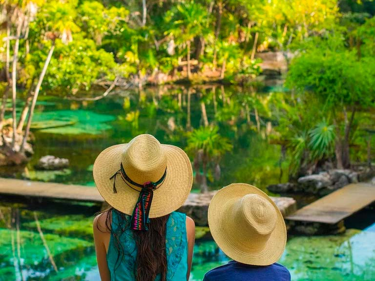 Nadar en los Cenotes gratis de Playa del Carmen