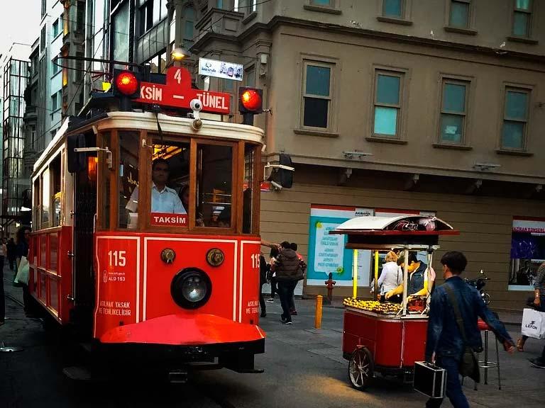 Tranvías rojos históricos