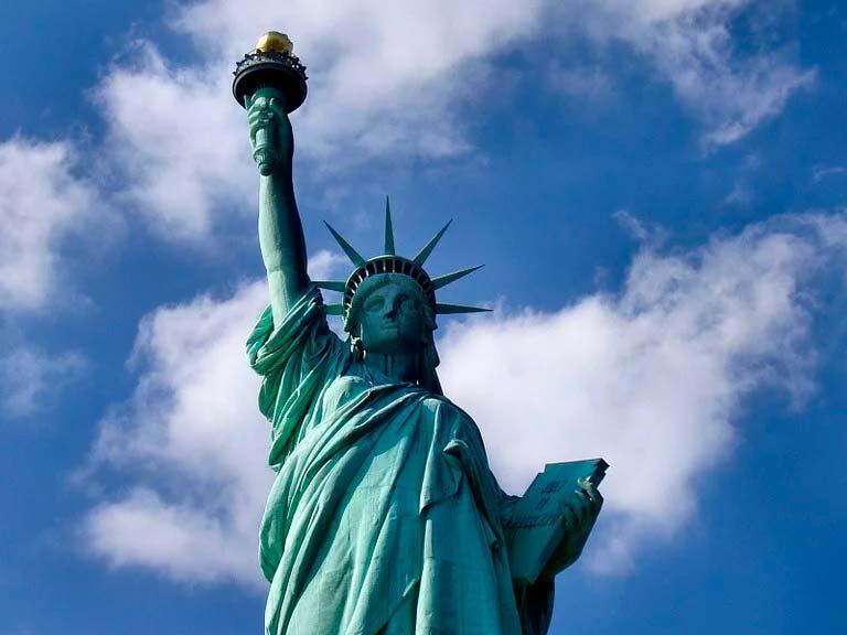 Estatua de La Libertad cuanto mide