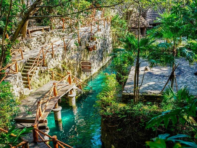 Xcaret: parque arqueoecológico de la Riviera Maya.