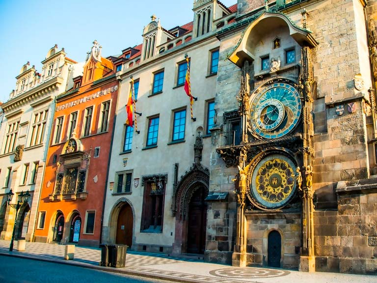Explora el Old Town Square